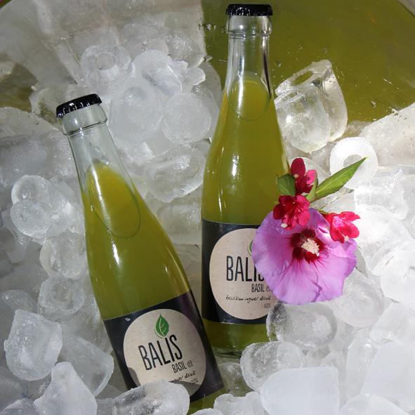 Balis in Champagnerbowl