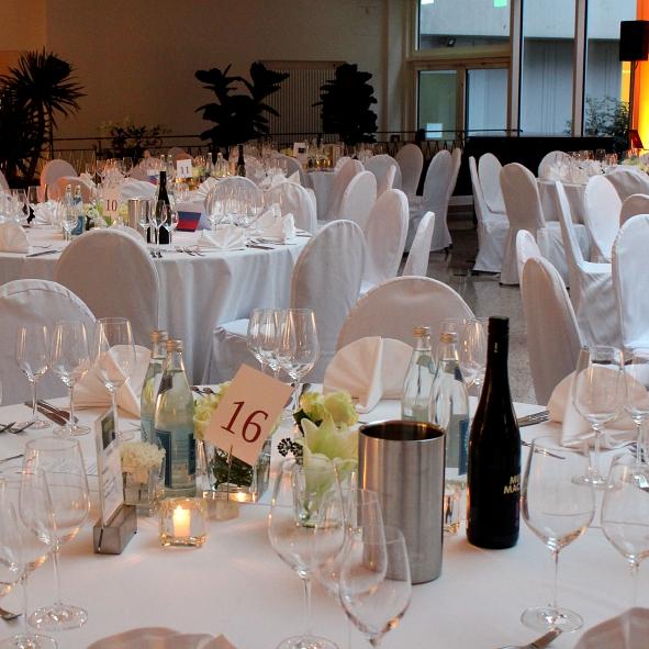 Belichtung Gala Menue Tisch