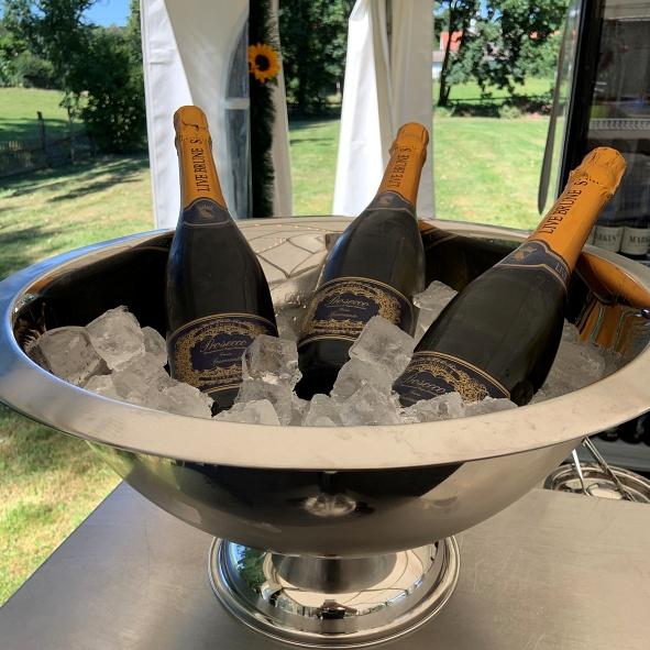 Champagnerbowl mit Live Brune
