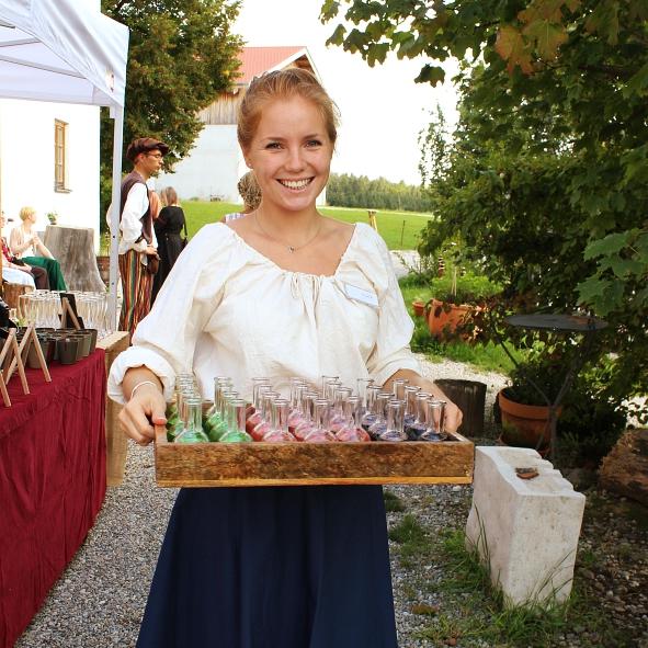 Servicepersonal - Motto: Mittelalter