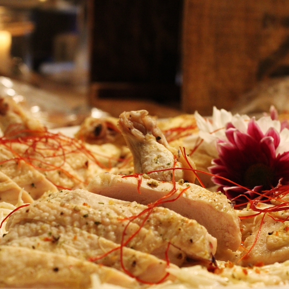 Marinierte Maispoulardenbrust auf Sellerie-Apfel-Salat